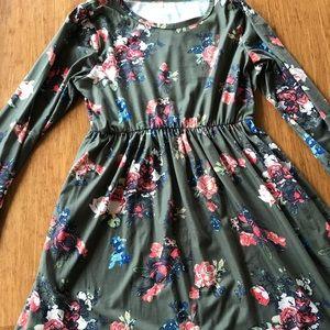 Dresses & Skirts - SALE Long Sleeve Floral Dress